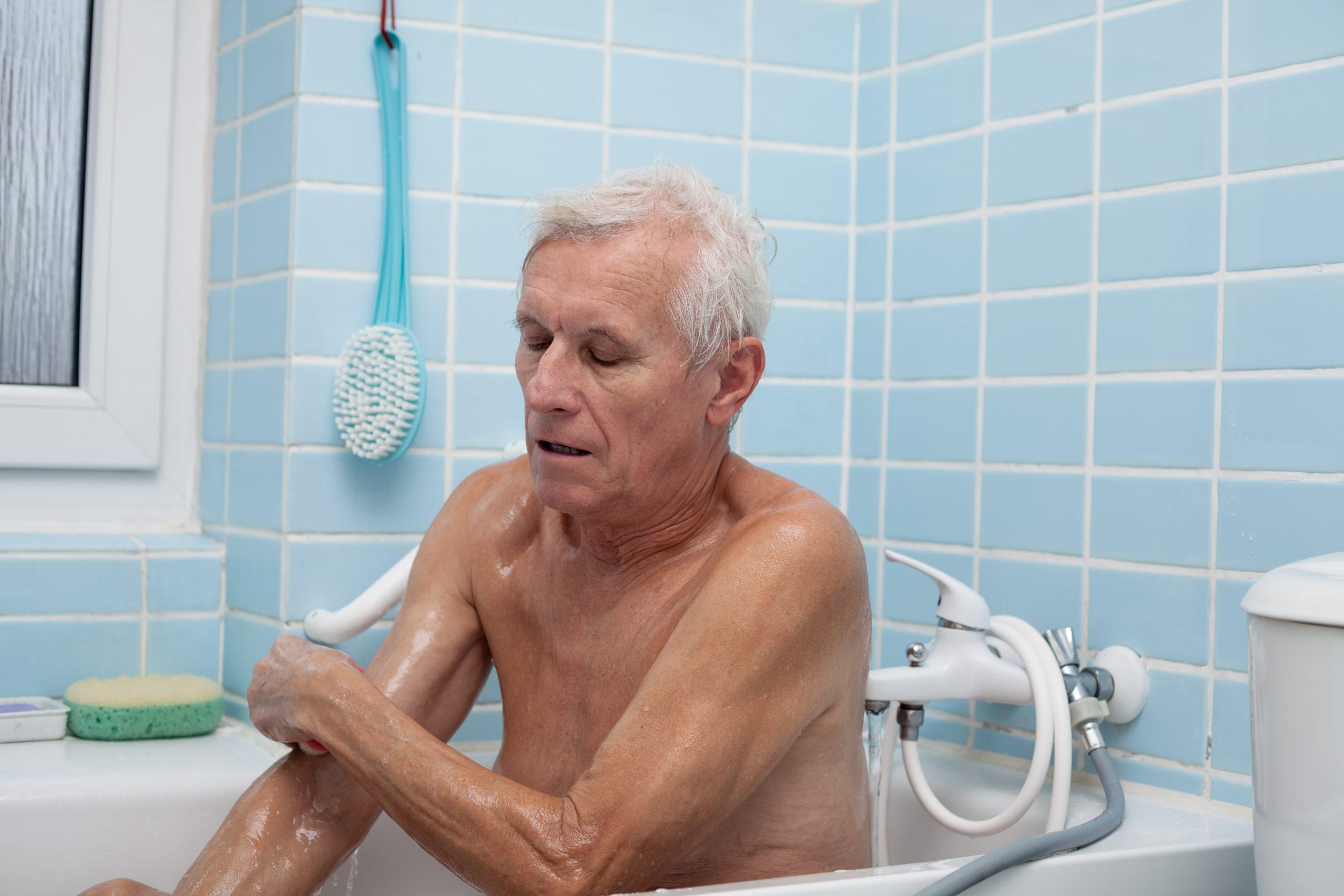 Alzheimer: come arredare il bagno
